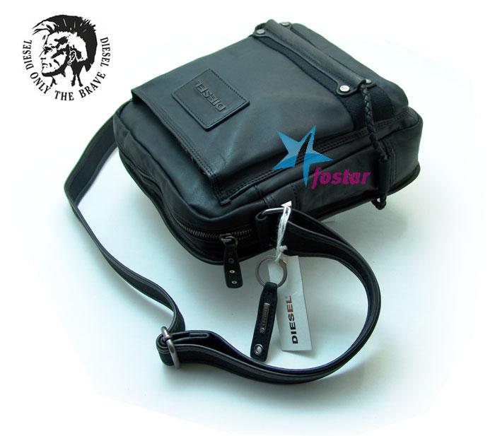 Большая сумка через плечо Diesel D2103-1BK